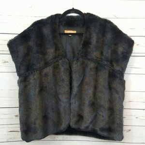 Ellen Tracy faux fur vest size small